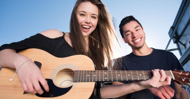 本当はギターをやりたいけど、難しそうだからウクレレをやろうかと考えている人にアドバイス!